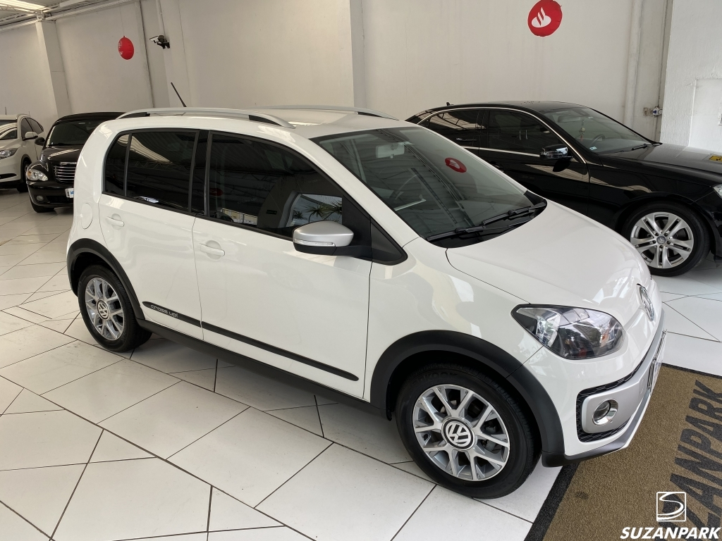 VW UP CROSS  1.0
